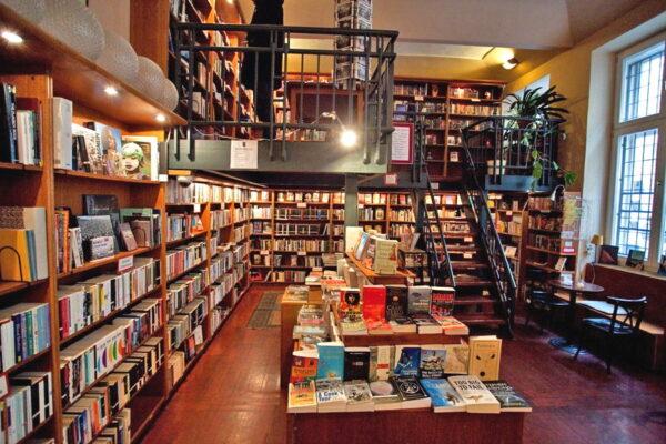 Globe Bookstore & Café